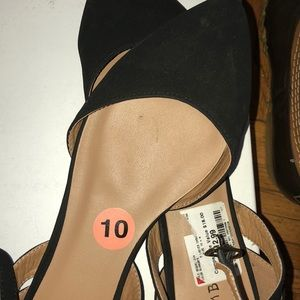Pointed toed shoes